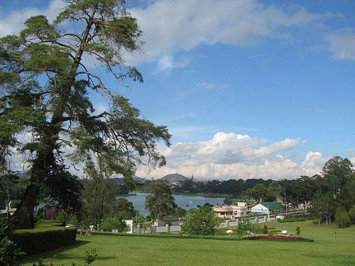 Đà Lạt - Vue sur le lac Xuân Hương.