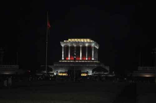 Le mausolée du Président Hồ Chí Minh.