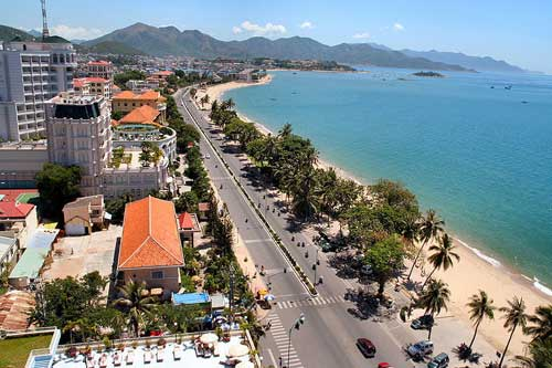 Rue Trần Phú, la rue principale de la célèbre cité balnéaire Nha Trang.
