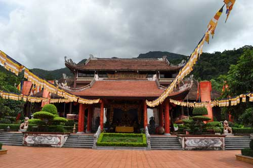 La pagode Yên Tử.