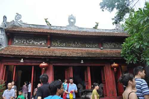 Le temple Ngọc Sơn.
