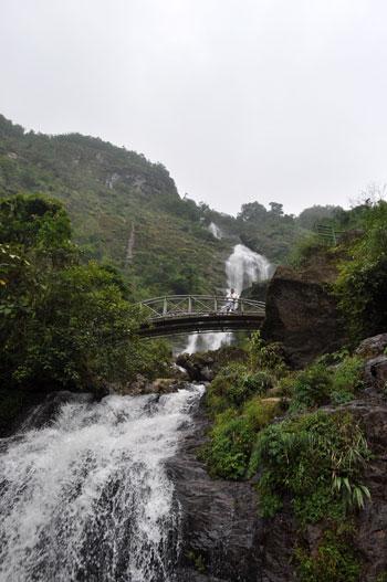 Thác Bạc (La chute d\'eau d\'Argent).