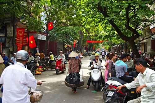 Une rue animée du vieux quartier de 36 rues.