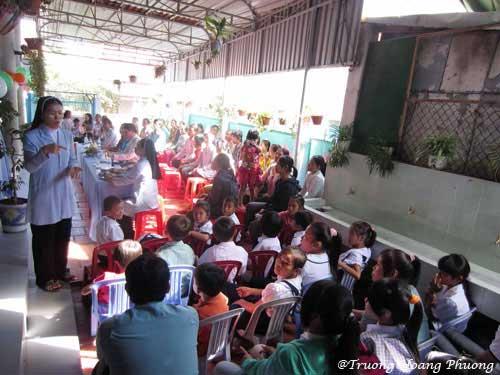 L'école de sourds et muets gérée par des soeurs catholiques à La Gi.