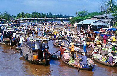 Le marché flottant Cái Bè.