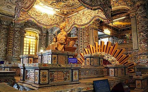 Le mausolée de l'empereur Khải Định.